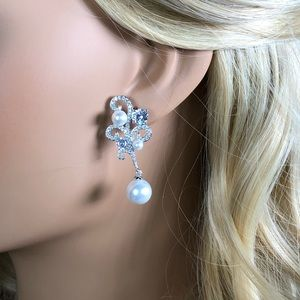 Bridal pearl tear drop earrings diamond crystal